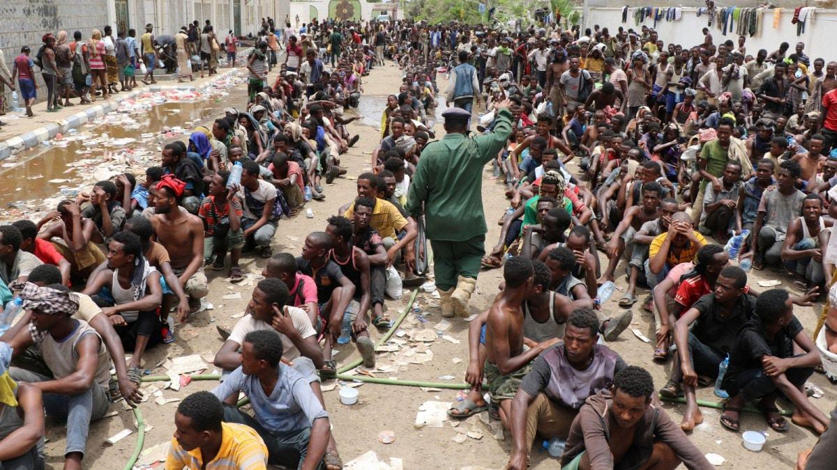 مهاجرون أفارقة يتخلون عن حلمهم في تخطي اليمن